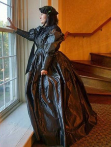 Carrie Burkett Schafer as Mary Todd Lincoln, photo credit Julane Sullivan